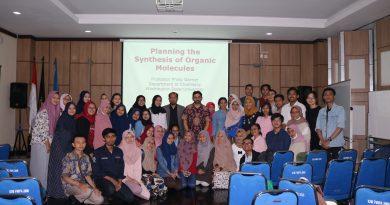 "(Indonesia) Kuliah Tamu ""Planning The Synthesis of Organic Molecules"""